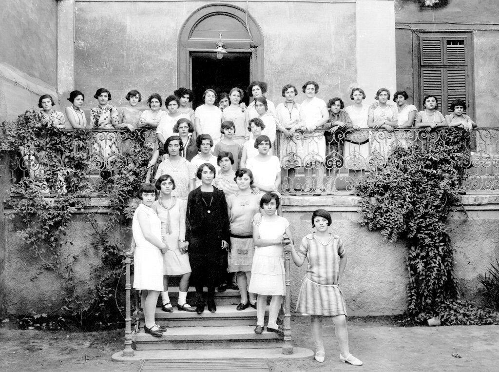 В приюте для девочек-подростков в Каире