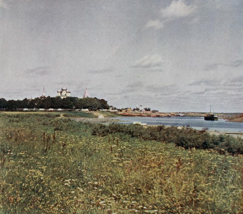 Ипатьевский монастырь. Общий вид с р. Костромой. 1910.