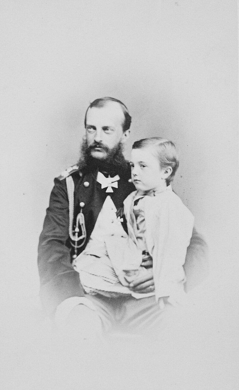 Фотография Великого Князя Михаила Николаевича и его сына Михаила Михайловича, 1865 г.