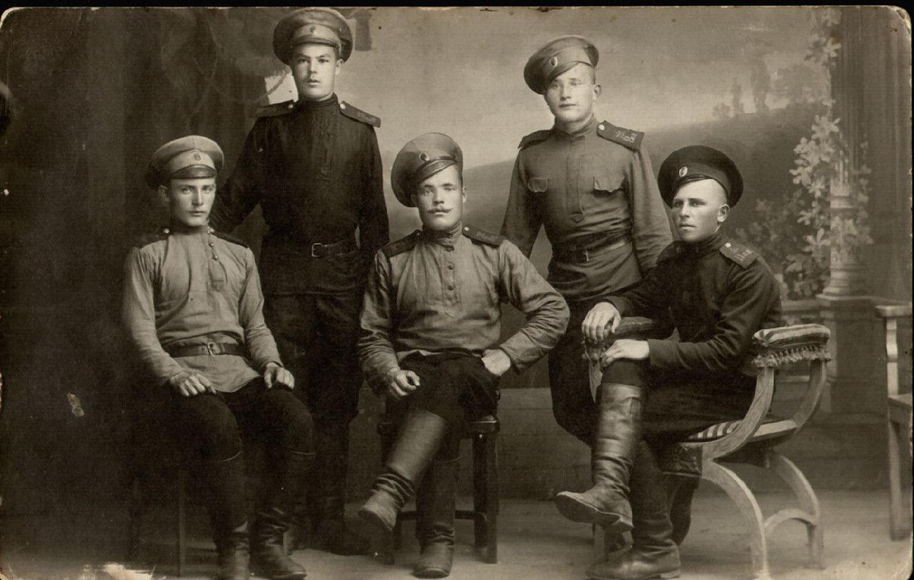 Группа военнослужащих. 1915 г.