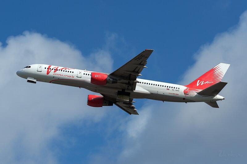 Boeing 757-230 (RA-73010) VIM Airlines DSC6840