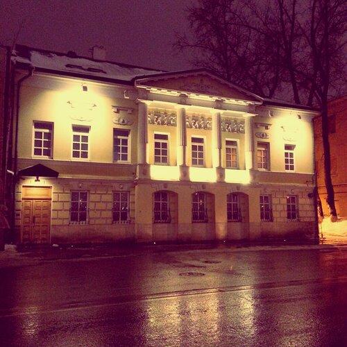 Фотографии ночных и дневных улиц Москвы