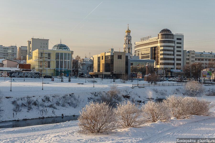 Екатеринбург. Набережная Исети.