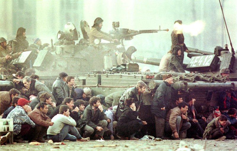 Использование силы и оружия должно быть исключительно прерогативой властей, - Пайетт о перестрелке в Мукачево - Цензор.НЕТ 2460