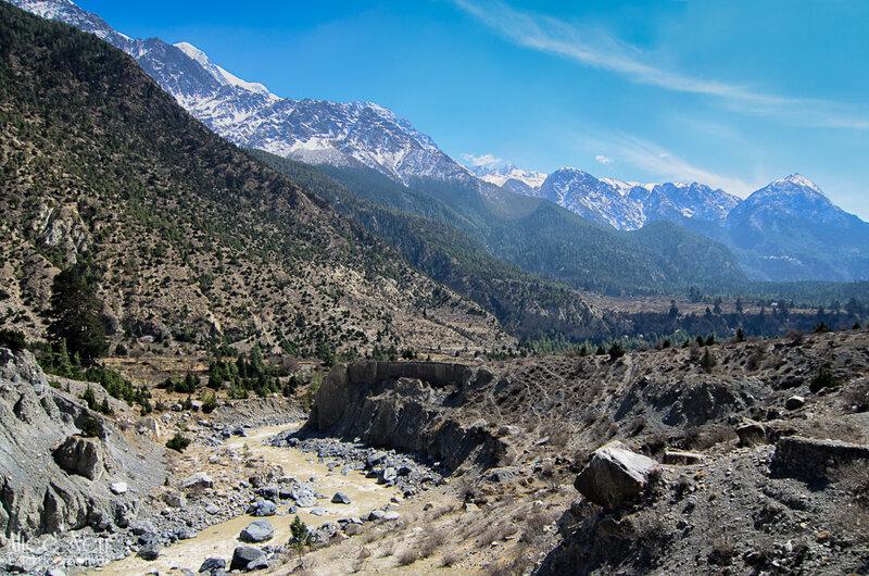 река Калигандаки по дороге от Тукуче в Марпу, Гималаи, Непал