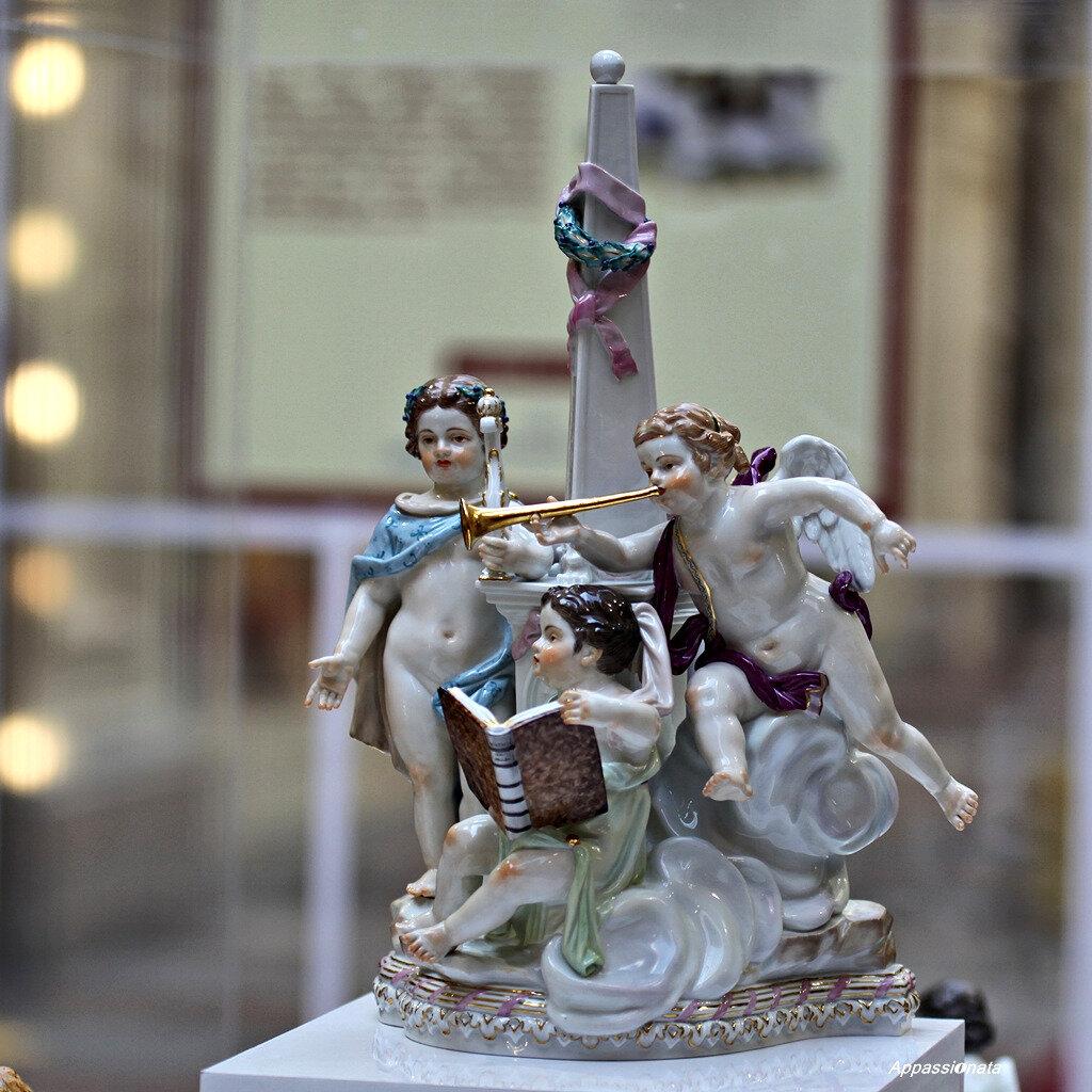 Выставка «Фарфор и Хрусталь» в ГУМе