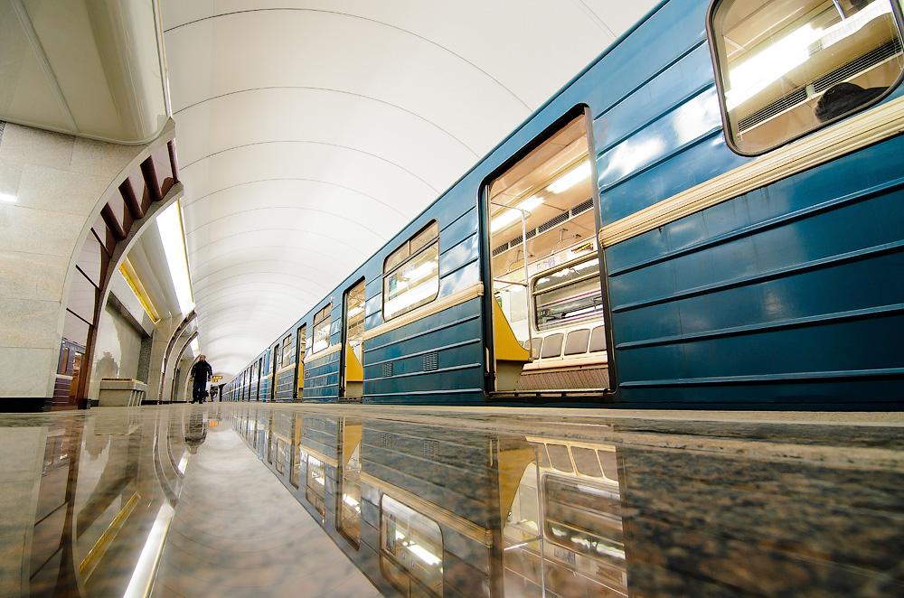 картинки санкт-петербурга метро россии лучше всего