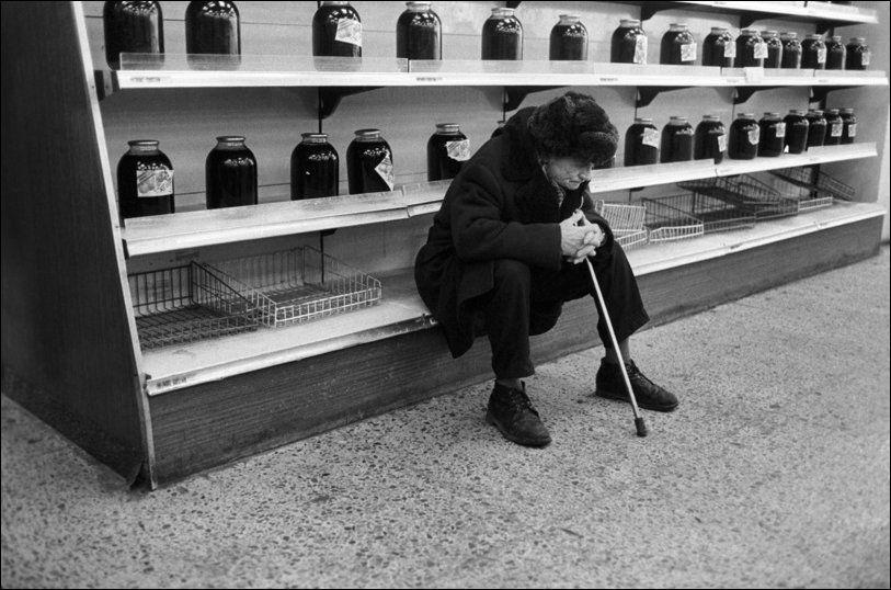 Товарный дефицит 80-90-х. «Шоппинг» не на жизнь, а на смерть