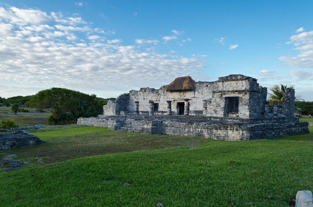 Фотография 3. Мексика. Развалины в Тулуме уже не впечатлили. Насмотрелись мы на пирамиды в Ушмале и Паленке. Отзывы об экскурсиях