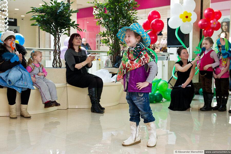 Модное дефиле в ТРЦ РИО, Саранск, 8 марта 2013 г