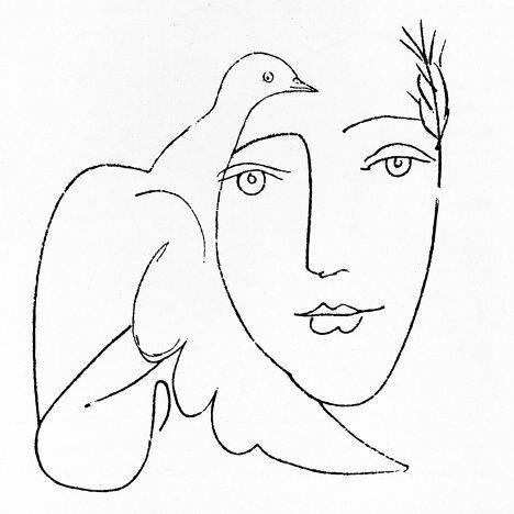 На фото: Пикассо рисует голубя