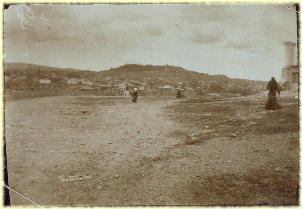 Общий вид шахты Ключевской и горы Высокая. 15 июня