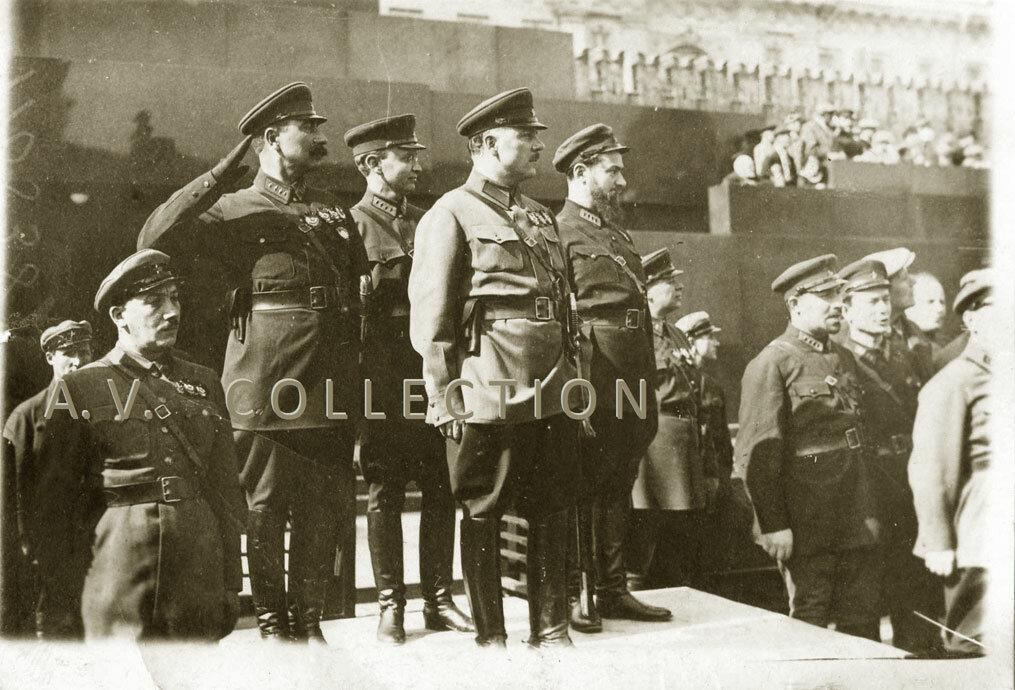 Ворошилов,принимает парад частей Московского гарнизона на Красной площади. 1934 год.