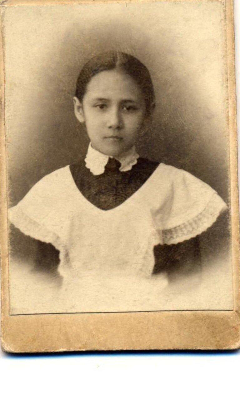 Лиза Маслова, внучка Климента Коробейникова, выросла, пережила арест мужа в 1937году,прошла всю войну вернулась в Иркутск, работала поваром, умерла в 1969году