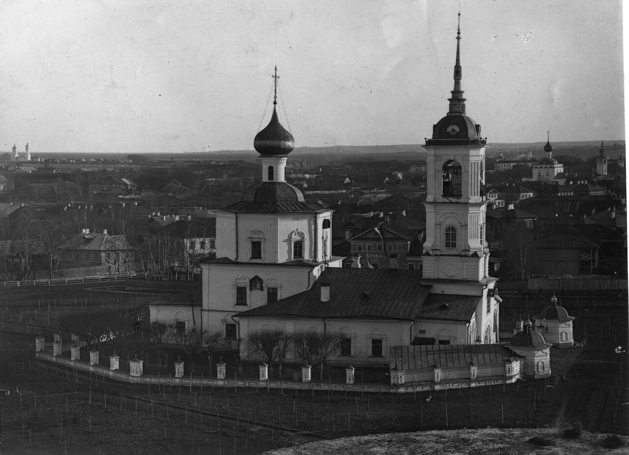 Район церкви Иоанна Предтечи в Рощенье.