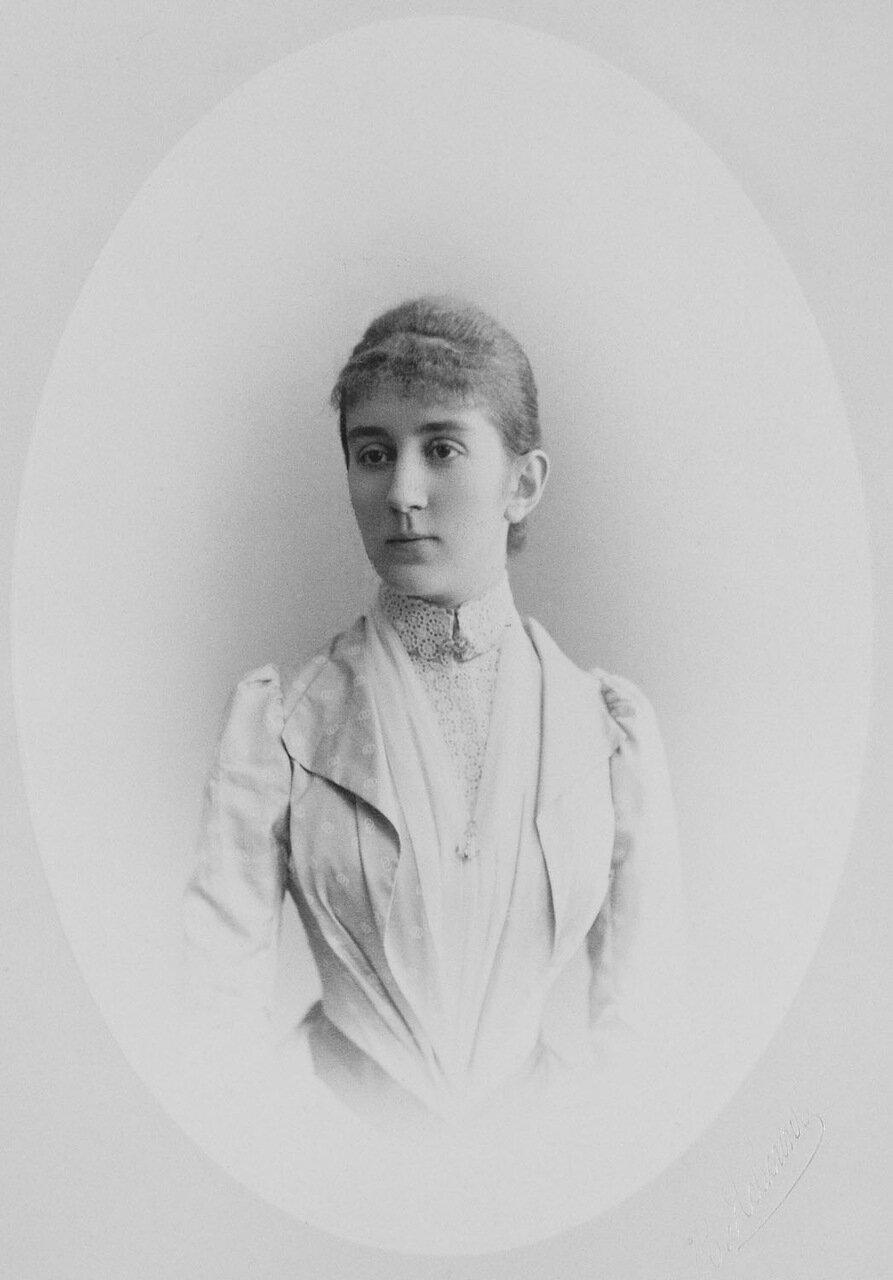 Великая княгиня Милица Черногорская, супруга великого князя Петра Николаевича.1889 г.