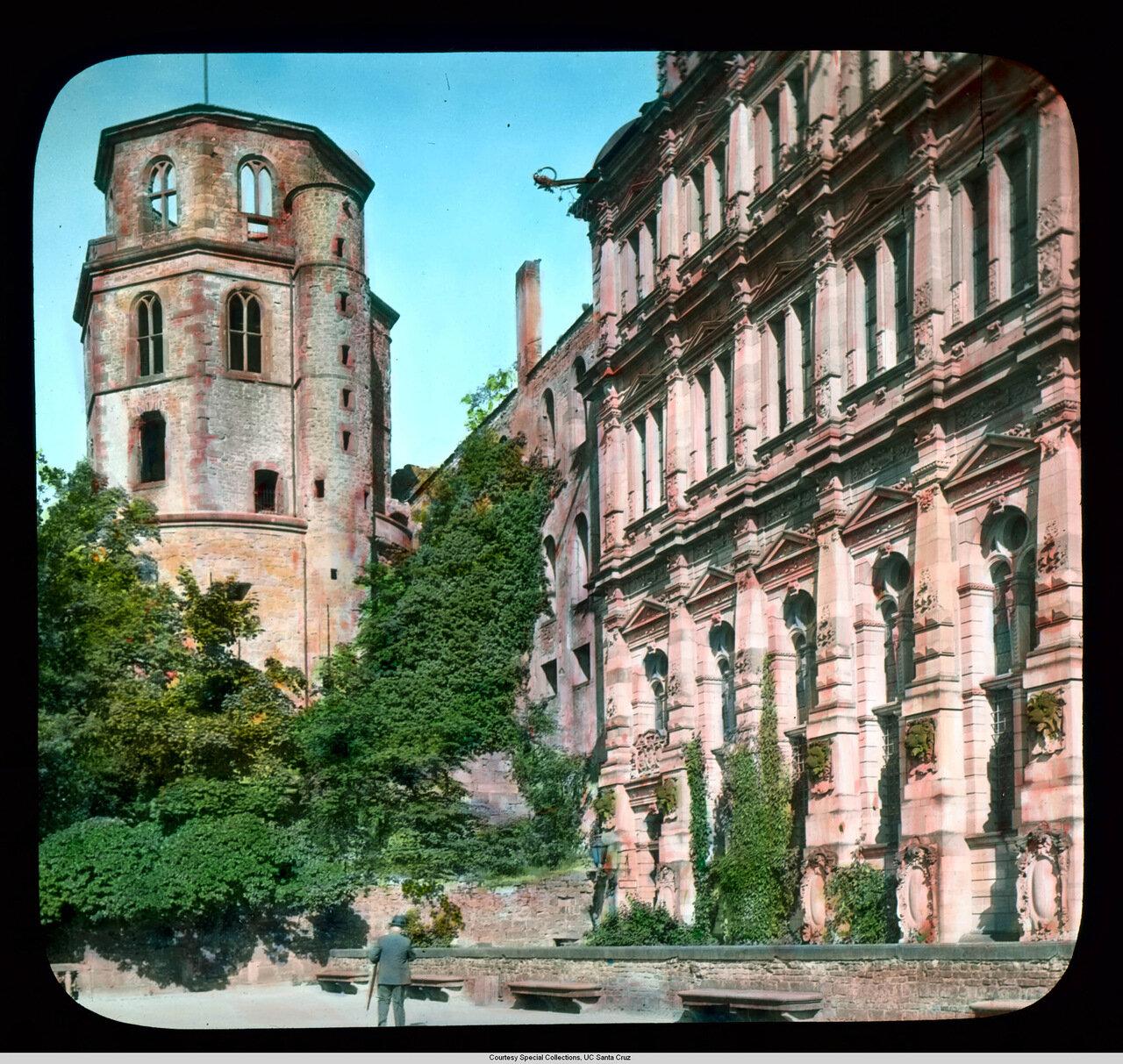Гейдельберг. Замок. Восьмиугольная башня и крыло Фридриха (1601)
