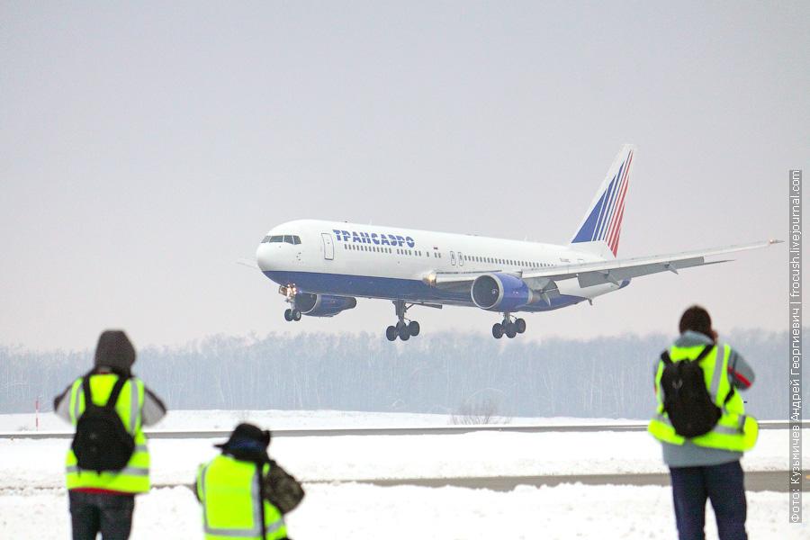 Boeing 767-319/ER (EI-UNC) «Трансаэро»