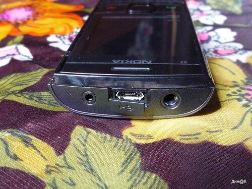 Nokia X2-02 (верхний торец)