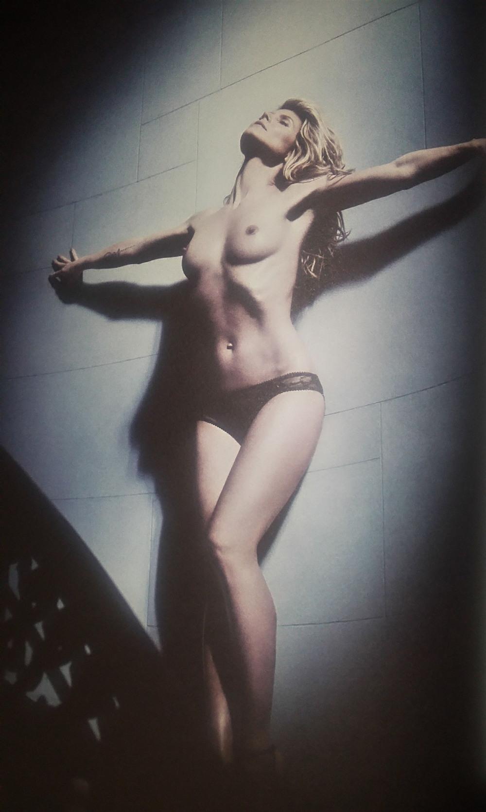 Звёзды 90-х и нулевых, чьи голые фото сливали в Сеть