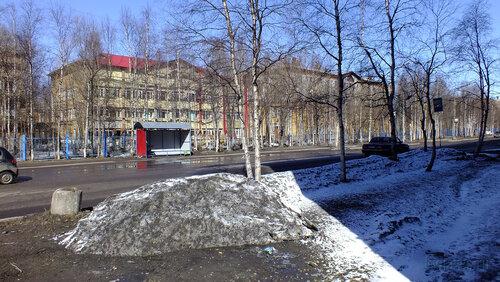 Фото города Инта №4159  Мира 12 (детская поликлиника) и Мира 10 (ЦГБ) 30.04.2013_12:57