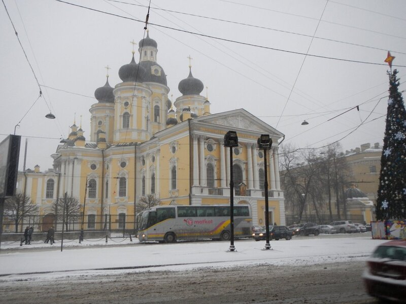 Владимирский собор в снегу