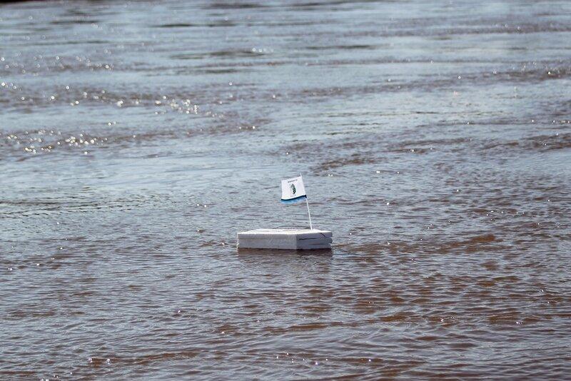 Кораблик с GPS, замеряющий скорость