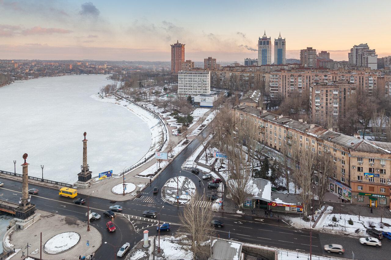 р. Кальмиус, вид с высоты на Донецк