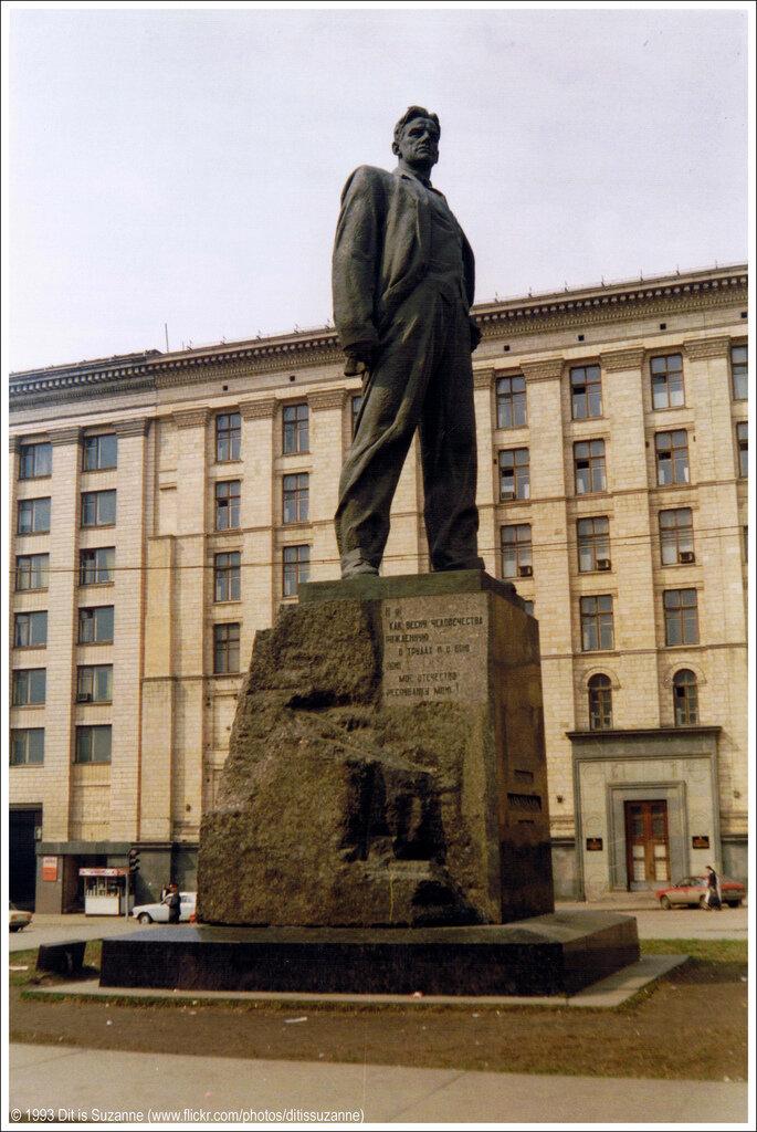Москва, апрель 1993г. Триумфальная площадь