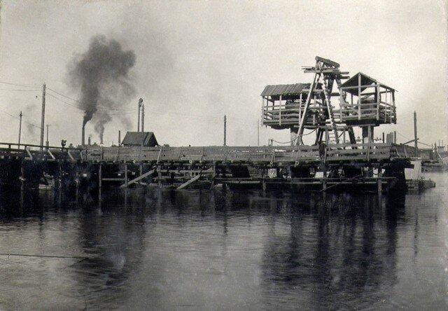 Опускание кессона №1. Июнь 1933 г.