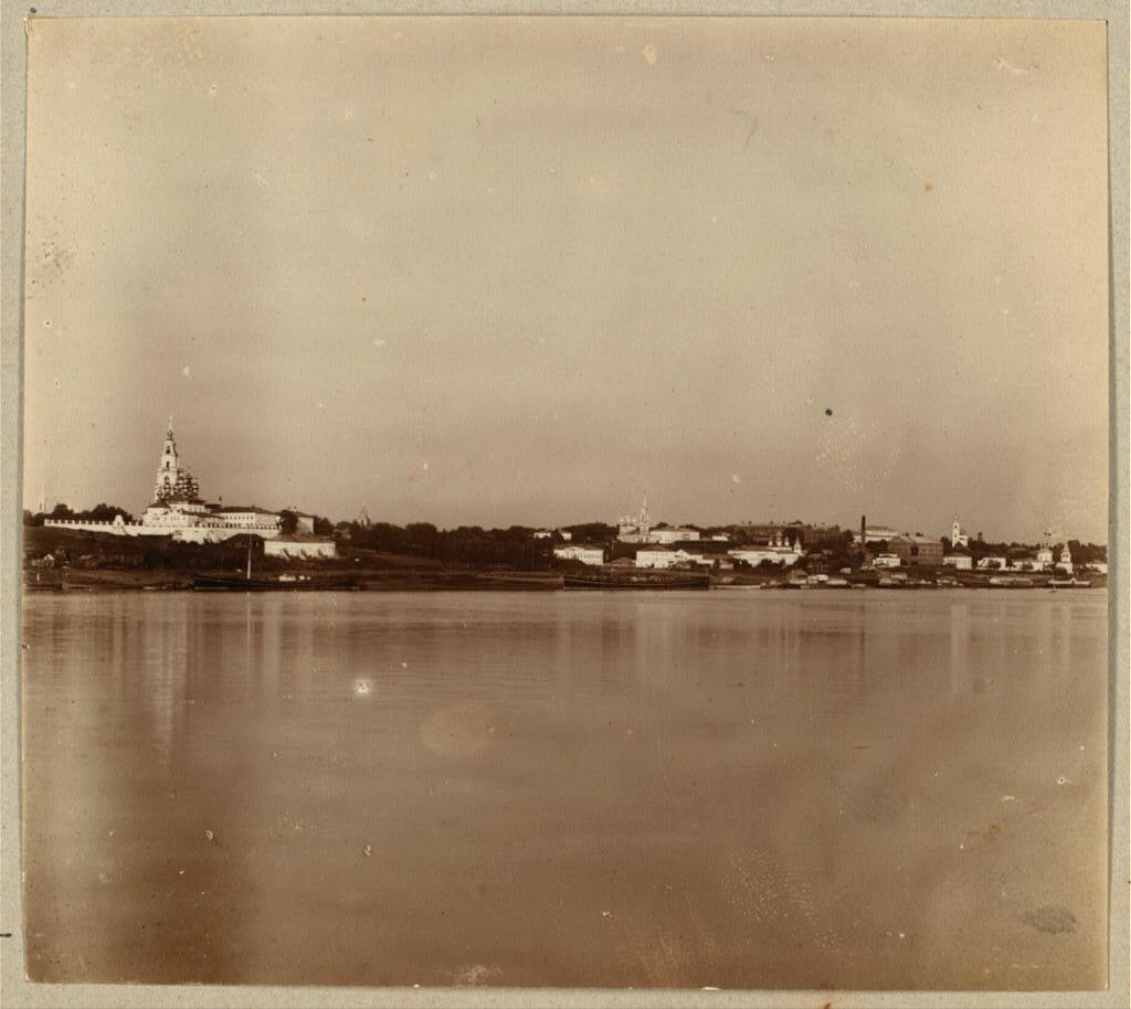 Общий вид г. Костромы с собором с Заволжской стороны. 1910.