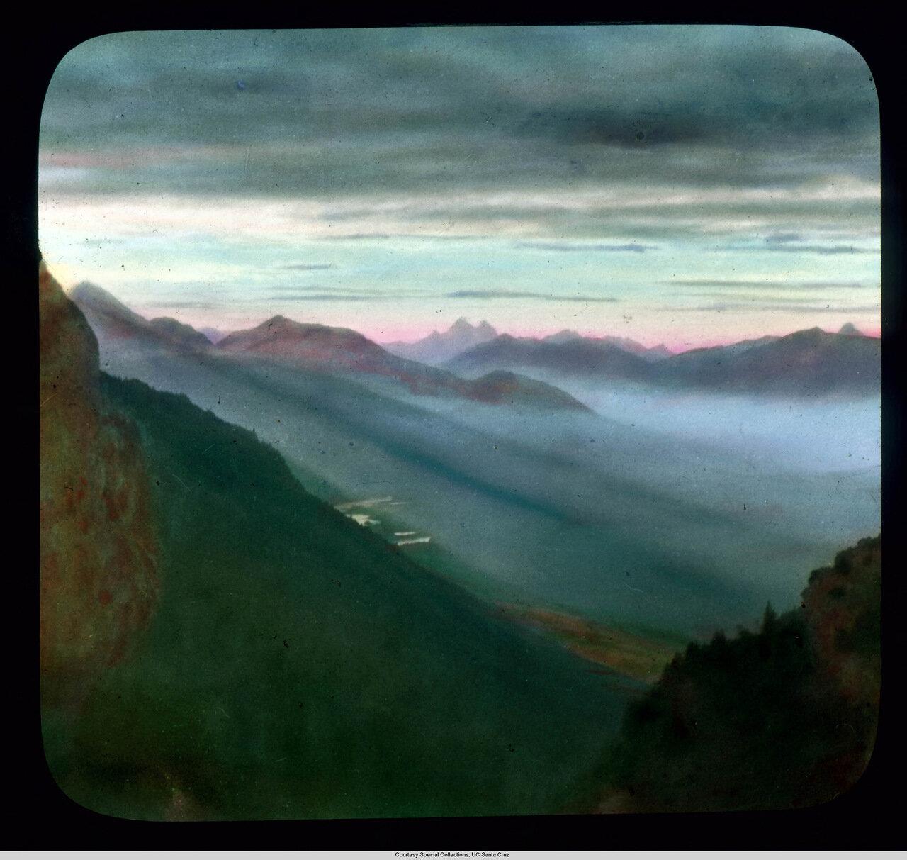 Бавария. Панорама Альгауских Альп с вершины Креузека на закате