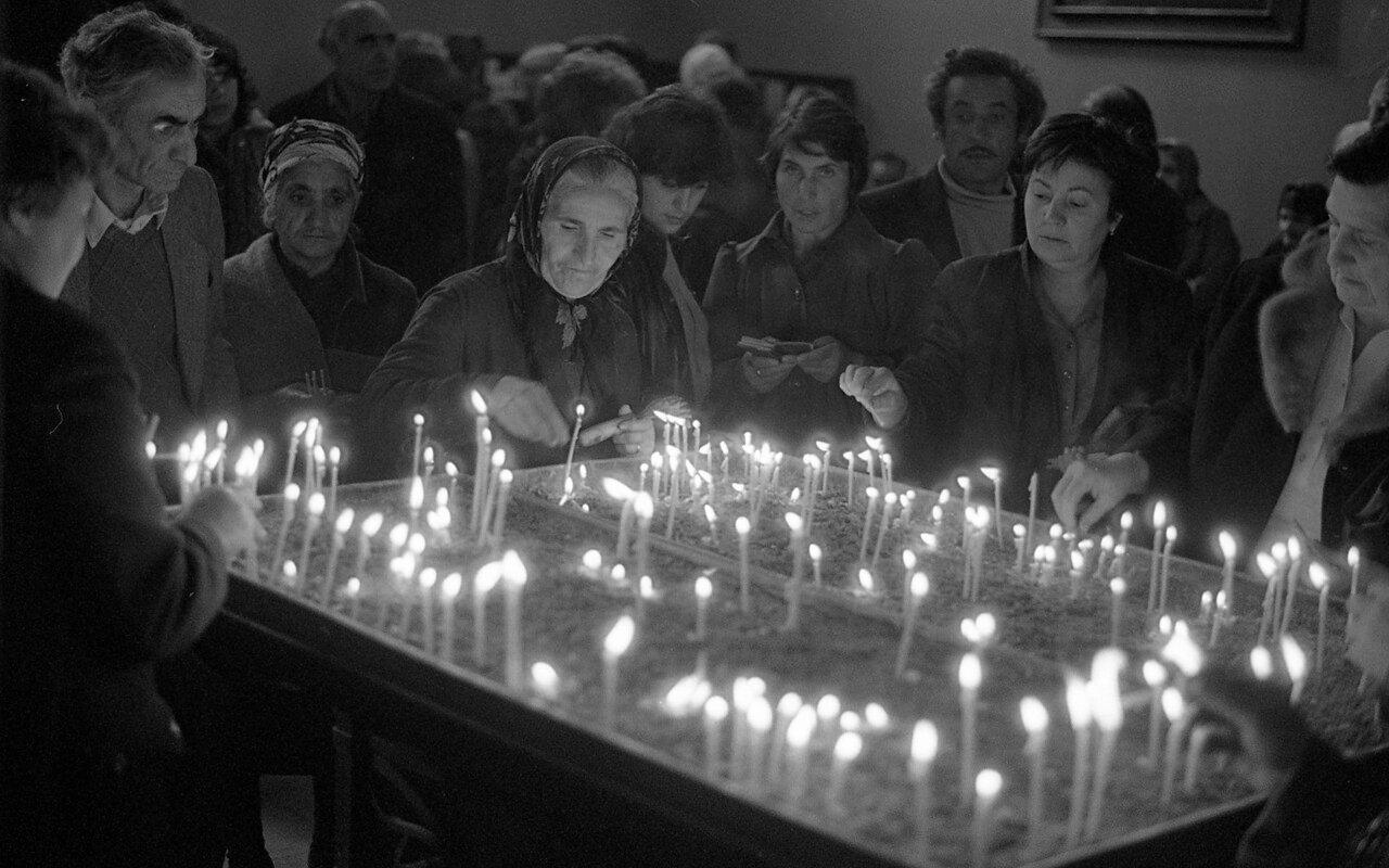 Во время посещения армянской церкви в Ереване