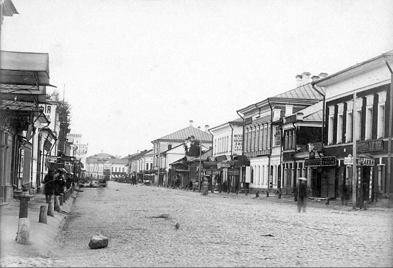 Власьевская улица от Духовской улицы к центру