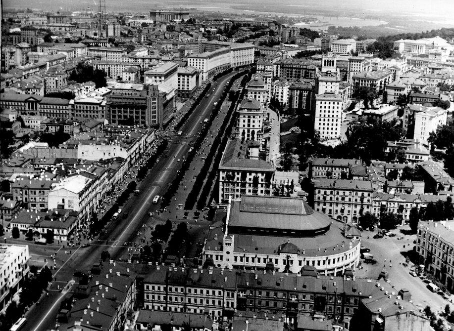 1958. Панорама Бессарабской площади и Хрещатика