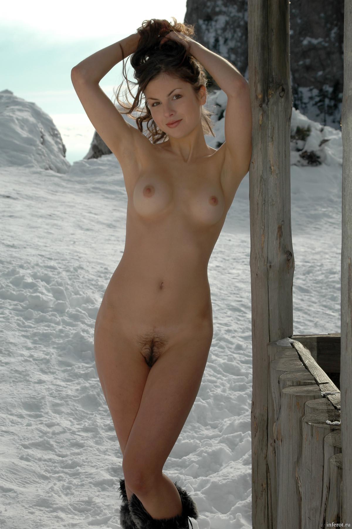 Фото голых из города зима 21 фотография