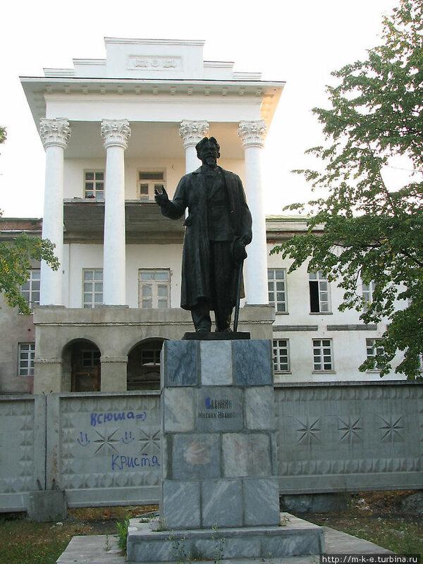 Памятник Калинину (13.05.2013)