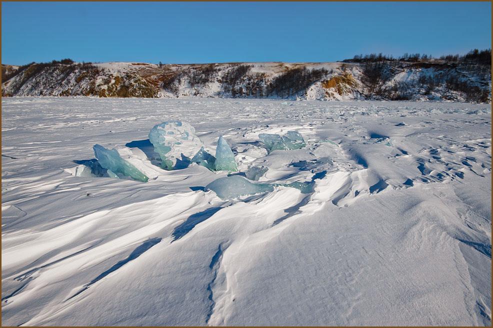 Лёд и снег Байкала
