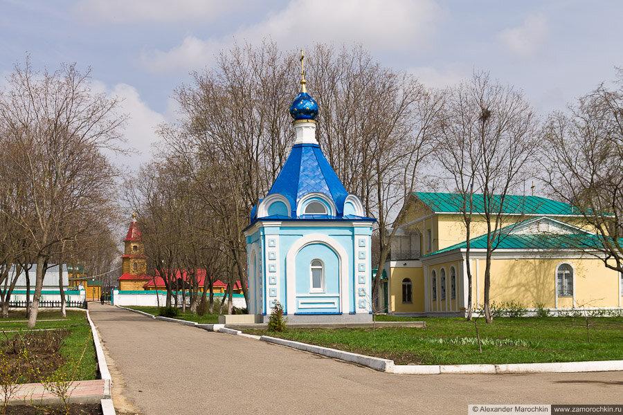 Часовня Иверской иконы Божией Матери на территории Макаровского монастыря в Саранске
