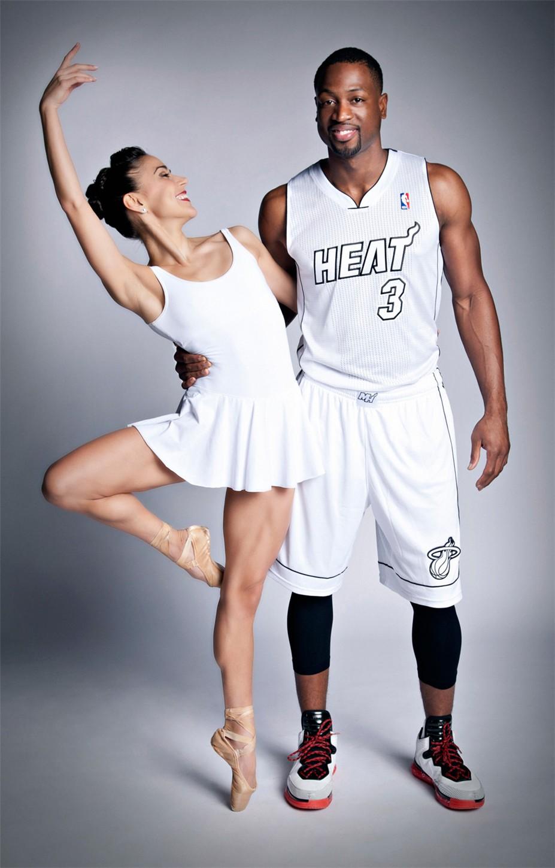 Звезды баскетбольной команды Miami Heat ЛеБрон Джеймс и Дуэйн Уэйд и балерины Джанетт и Патрисия Дельгадо из Miami City Ballet - Dwyane Wade and Patricia Delgado