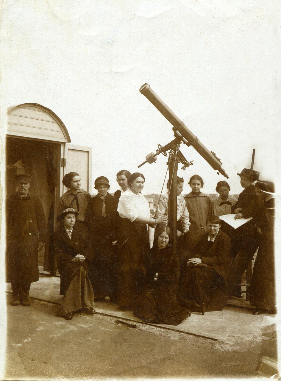 Астрономические курсы профессора Штернберга в обсерватории на Пресне в Москве