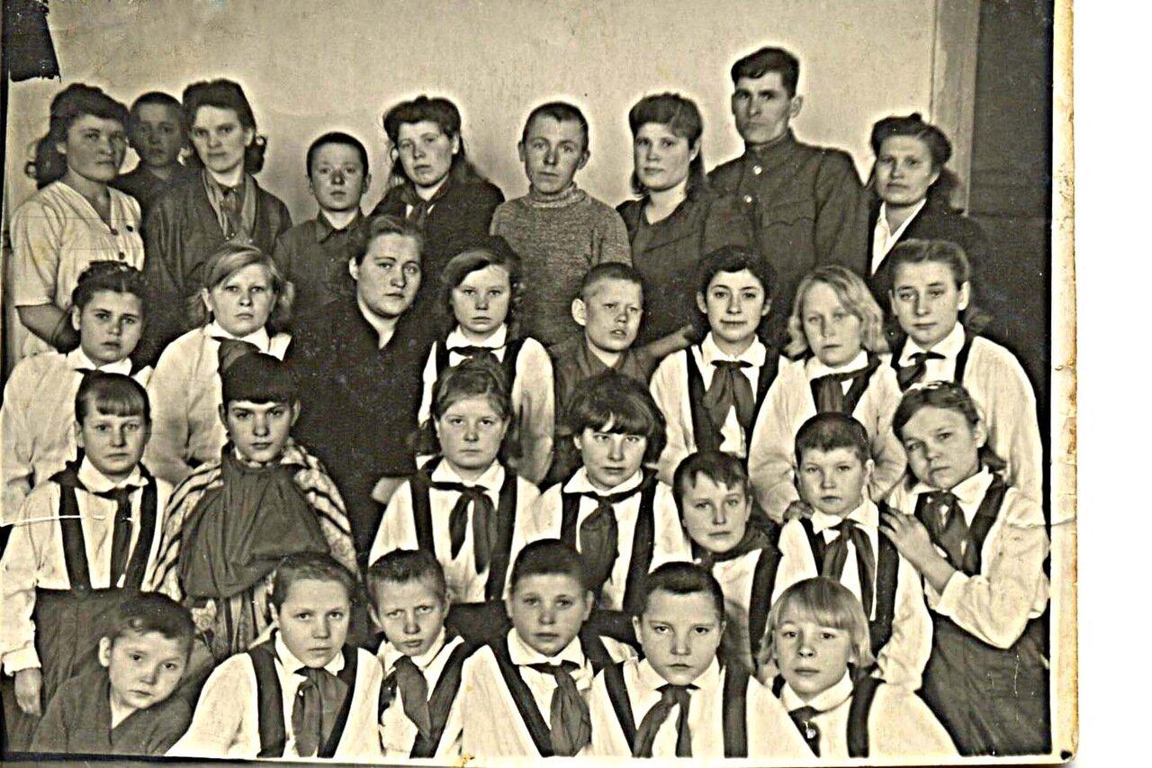 34. В парадной форме.1946 год.