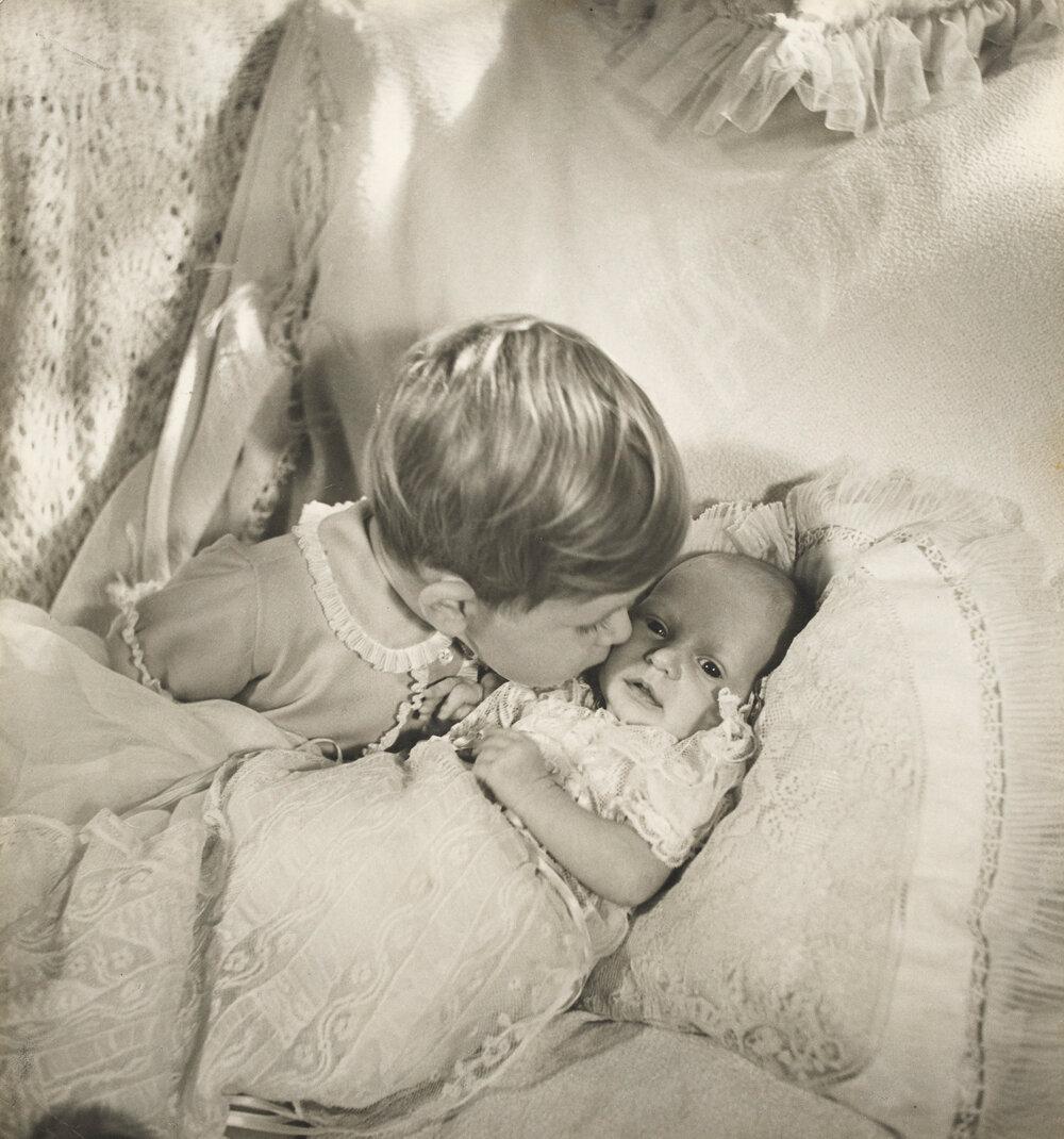 Принц Чарльз и принцесса Анна. сентябрь 1950 г.