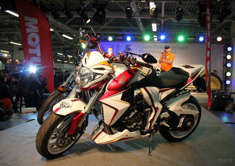 Стилизованный байк Honda CB1000RA от Рокгараж