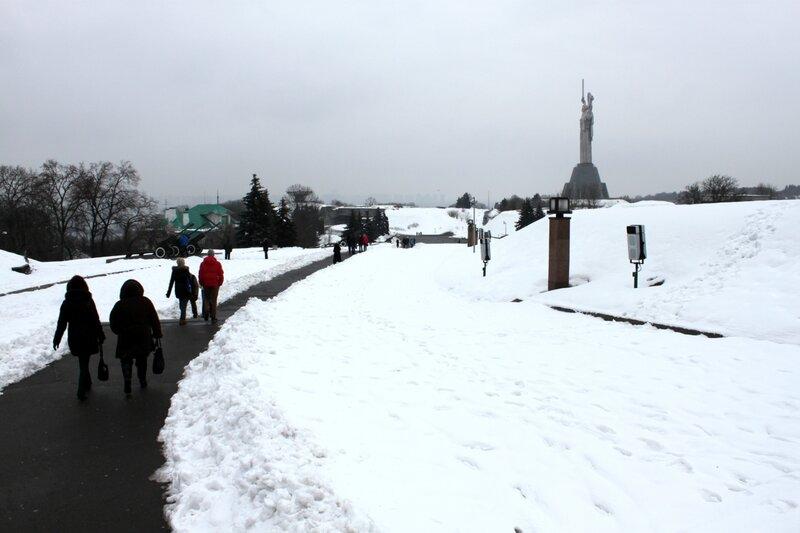 Дорога в Национальный музей ВОВ