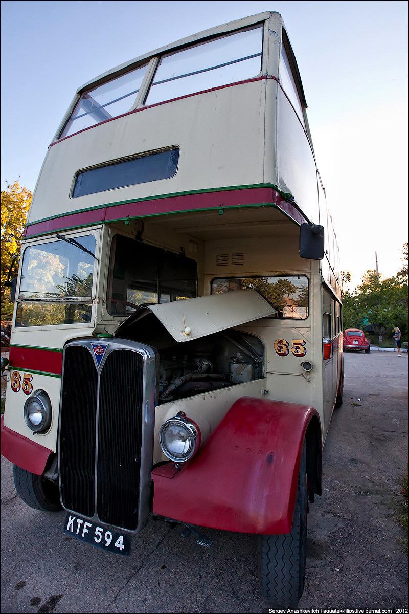 London Bus - AEC Regent III