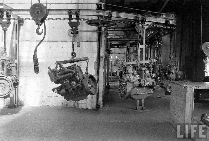 Мелитопольский ремонтный цех тракторных головок двигателя.