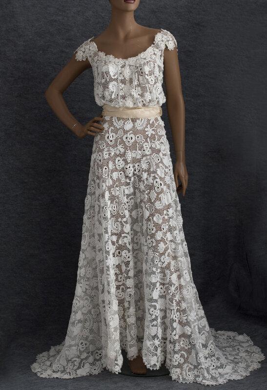 Платье из брюссельских кружев