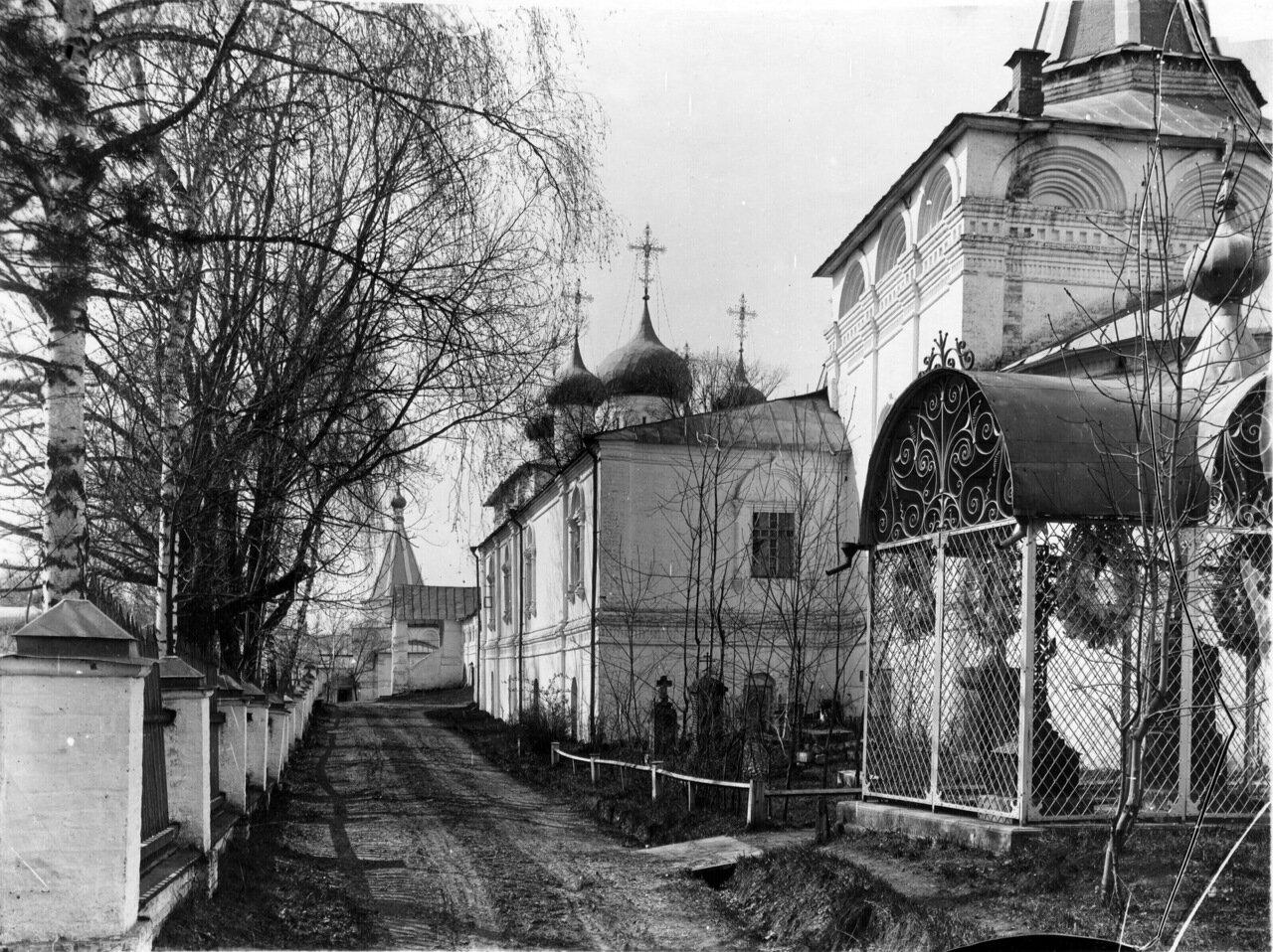 Вознесенский Печёрский монастырь.