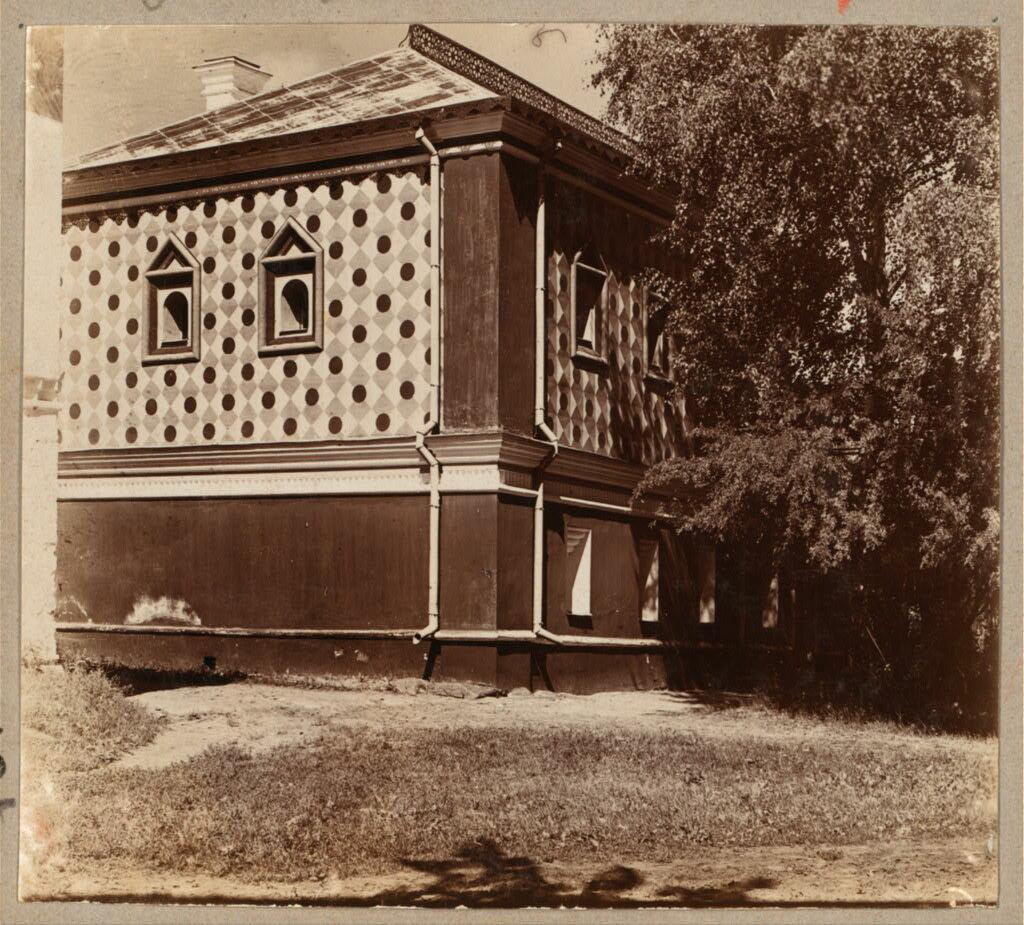 Дом Романовых в Ипатьевском монастыре (с левой стороны). 1910.